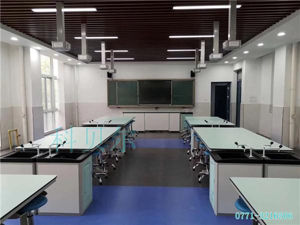 学生实验桌02