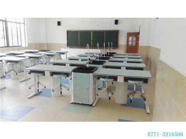 学生实验桌03